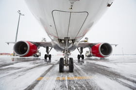 Russie: un avion perd sa cargaison de lingots d'or au décollage [VIDÉO]