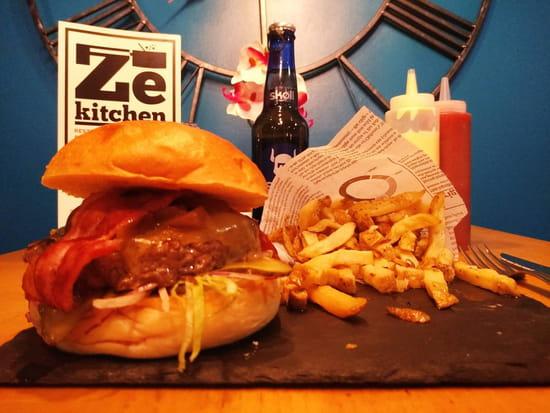 Plat : Ze Kitchen  - menu burger gourmand -   © non