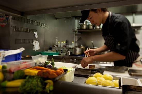 Sola par Hiroki Yoshitake  - le chef Hiroki Yoshitake -   © Tibo