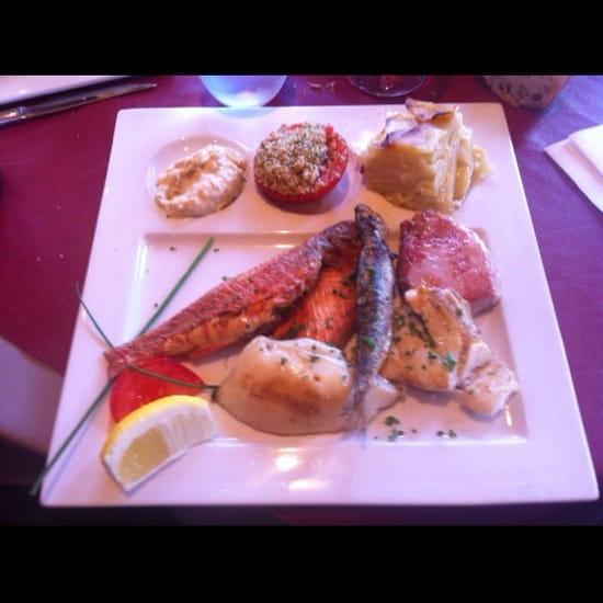 Plat : Les Boucaniers  - Plancha de poissons très frais. -