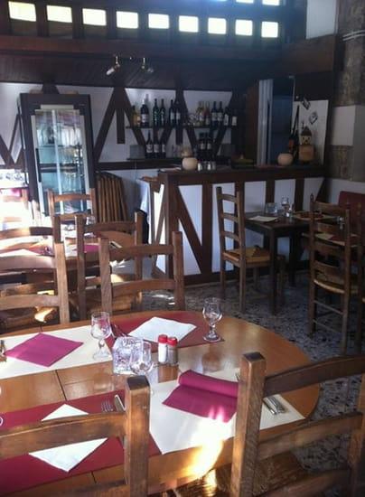 Au 121  - Salle du restaurant -   © b.leclerc