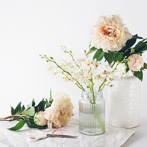 pour prolonger la dur e de vie des fleurs coup es. Black Bedroom Furniture Sets. Home Design Ideas