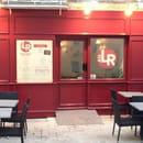 Au LR  - La façade sera bientôt terminée! -   © cc