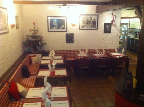 Restaurant du Théatre  - SALLE SYMPA RUSTIQUE -   © pierre