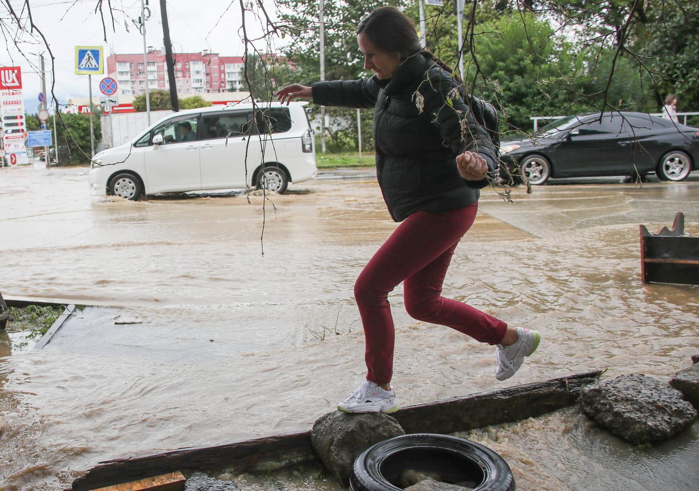 Orages et inondations à Marseille: les intempéries sont passées, les images