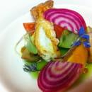 L'Antre Amis  - langoustines rôties rafraîchie à l'eau de concombre et betterave chiogga -   © l'Antre Amis