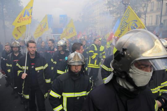 Manifestation des pompiers: quelques tensions, des milliers de professionnels dans la rue