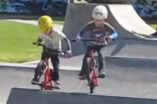 Des prodiges du BMX à seulement 4 ans