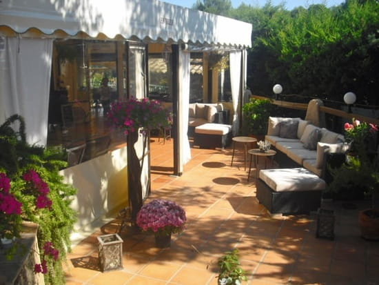 Auberge des 2 Pins  - Terrasse Lounge Bar -