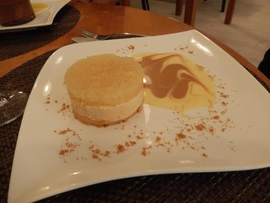 La Petite France  - Crémeux poire-caramel beurre salé -   © MORON Raphaelle