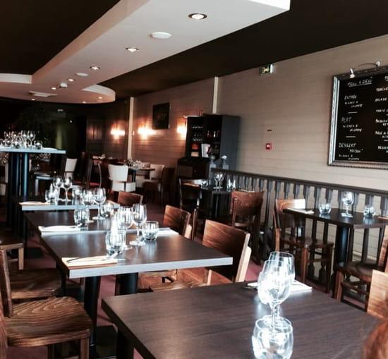 Restaurant : Le Valin  - Salle à l étage  -