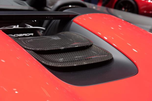 Une carrosserie en fibre de carbone