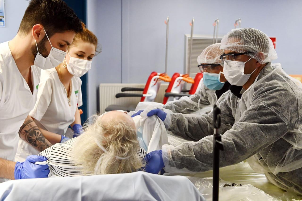 DIRECT. Coronavirusen France: plus de 6500décès au total en comptant les Ehpad, dernières infos