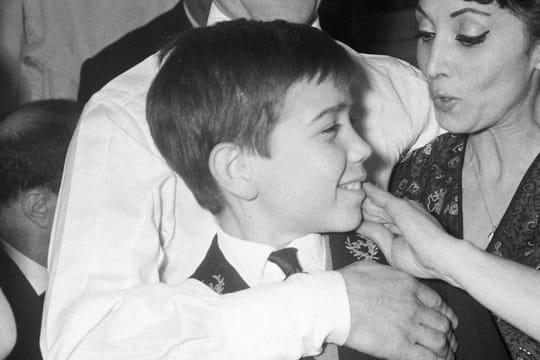 """Patrick Aznavour: le fils de Charles Aznavour, son """"très gros chagrin"""""""