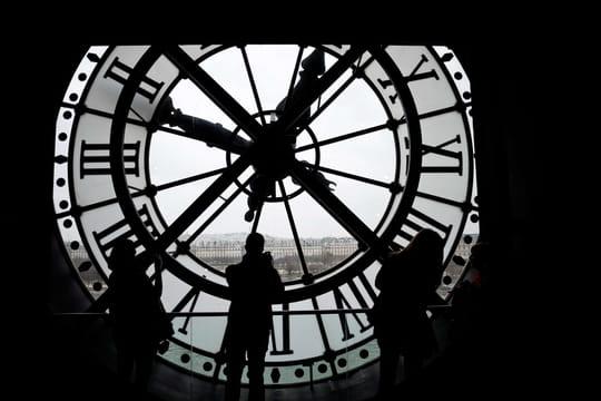 Quelle heure est-il? L'heure d'été exacte à Paris en en France