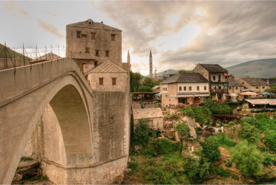 Sous le pont de Mostar