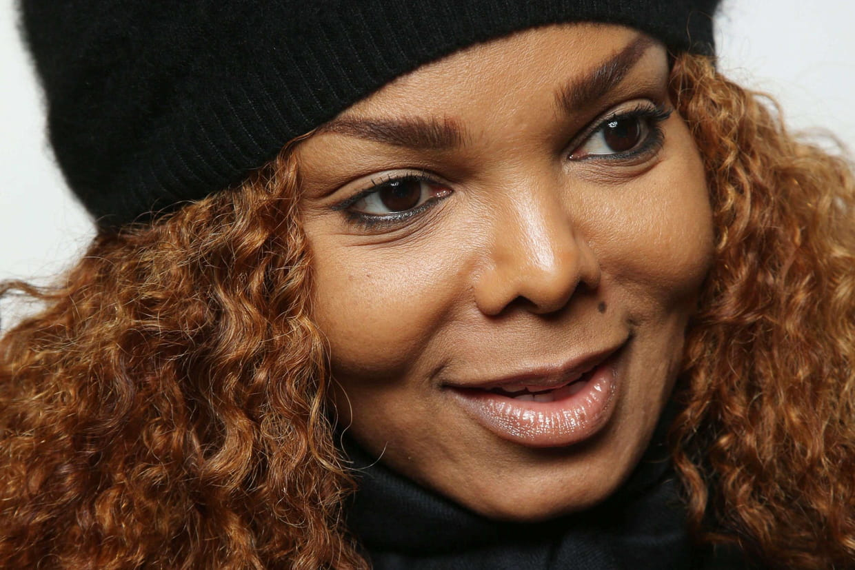 janet jackson enceinte 50 ans elle officialise sa grossesse. Black Bedroom Furniture Sets. Home Design Ideas