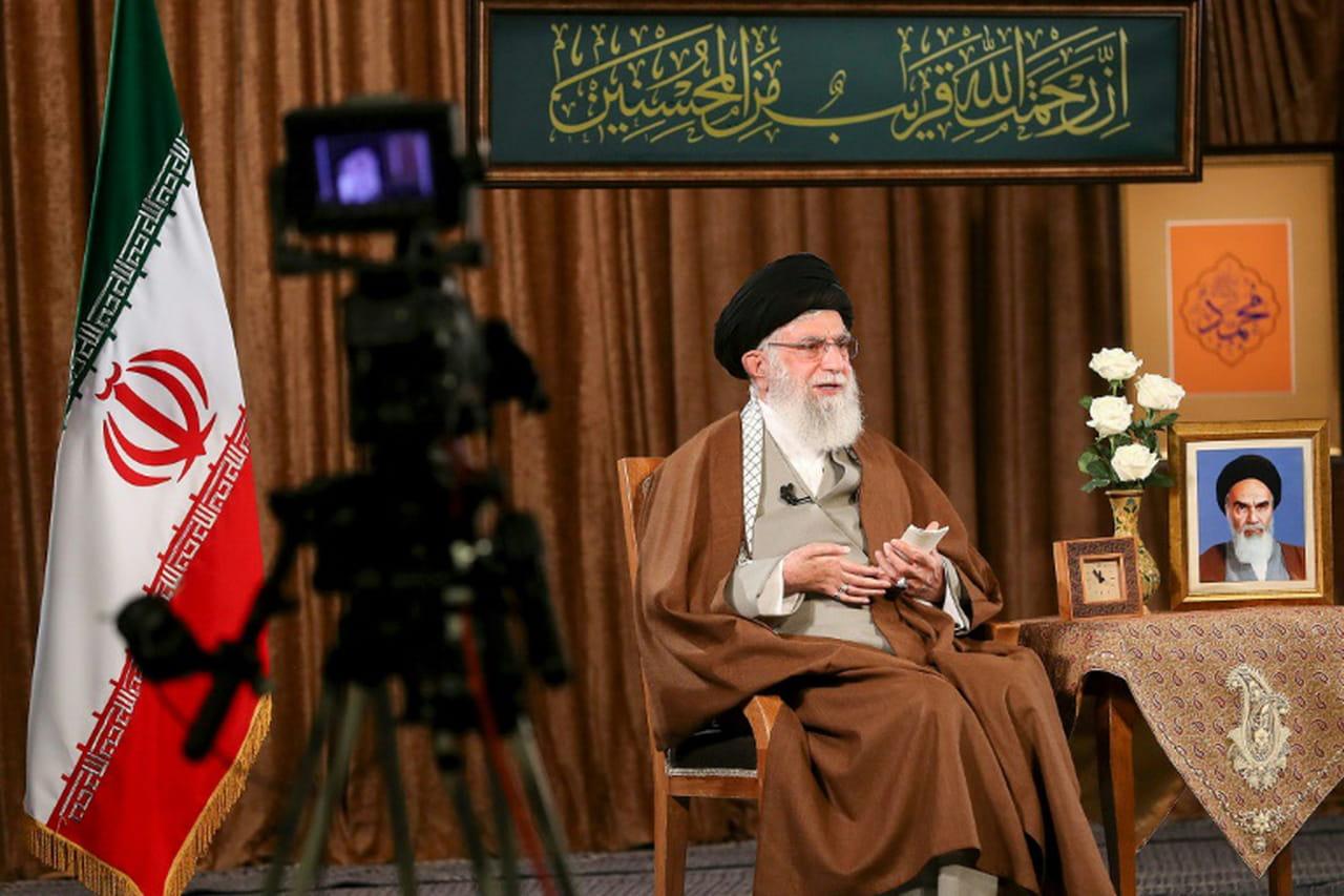 """Virus: l'Iran n'envisage pas une aide des """"charlatans"""" de Washington"""