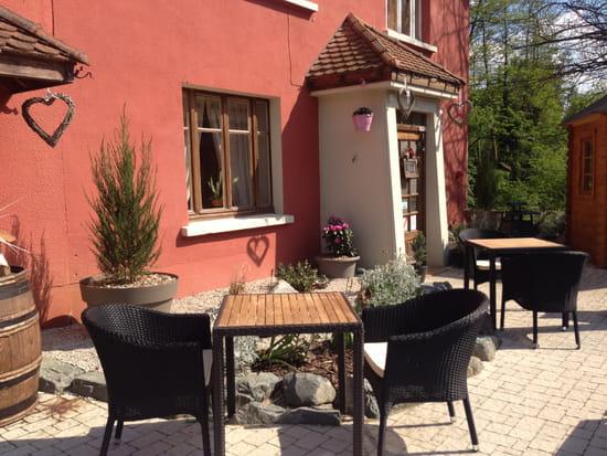Restaurant : Le Vieux Terroir  - Terrasse ensoleillée -   © Extérieur