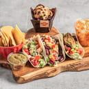 Plat : Tex A Way  - 3 tacos mexicains, tortillas chips et guacamole maison, salade de légumes maison et muffin maison -   © #TEXAWAYOFLIFE