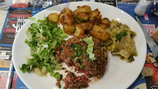 Plat : Brasserie du Château  - Steak tartare poêlé  -