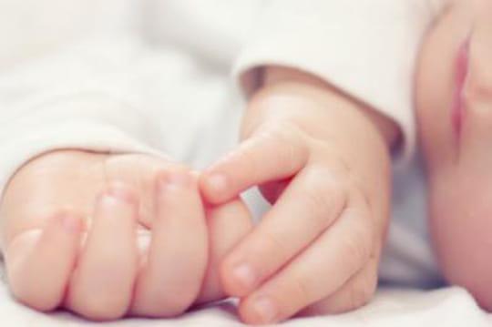 Mariage gay: Sacha, le premier bébé de 2013, adeuxmamans lesbiennes