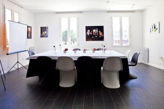 La Table Lionel GIRAUD  - Salon privé de l'étage - organisation de réunions et séminaires -   © Marie France Nélaton