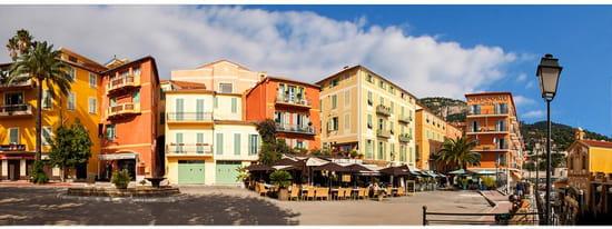 Restaurant : Les Palmiers  - Terrasse du restaurant -   © Les palmiers