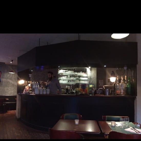 Restaurant : Brasserie Les Halles  - Le bar -