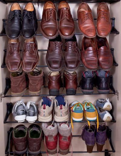 un placard chaussures frais. Black Bedroom Furniture Sets. Home Design Ideas