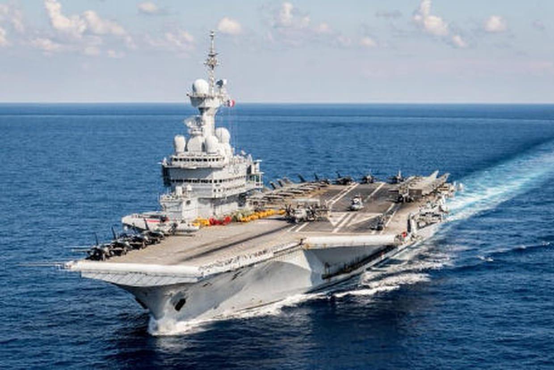 Porte avions charles de gaulle 8 avions fran ais rafale attaquent daesh - Porte avion charle de gaule ...