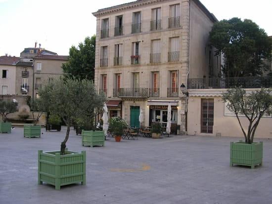 Restaurant : Le Petit Montmartre  - emplacement -   © oui