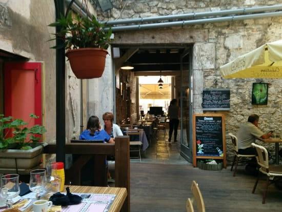 Restaurant : Le Salon de Thé Valmont  - Patios -
