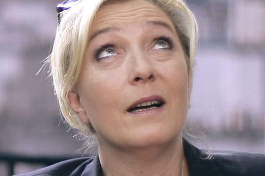 Marine Le Pen : ses tweets douteux révélés, la patronne du FN piégée ?