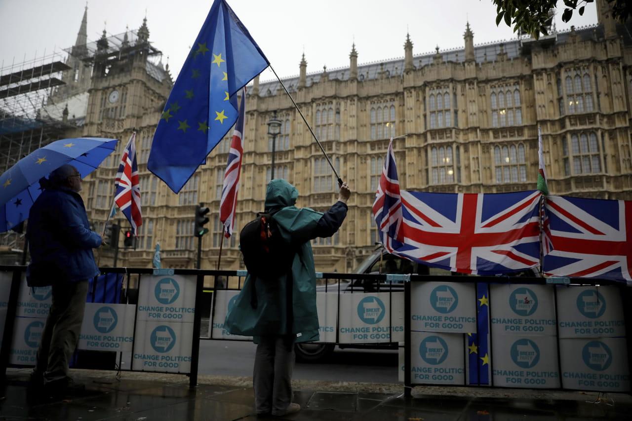 DIRECT - Brexit: Londres suspendue à la décision de l'UE sur la date
