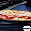 Plat : Luvin's Burger  - Le Panini Saumon -   © Luvin's Burger