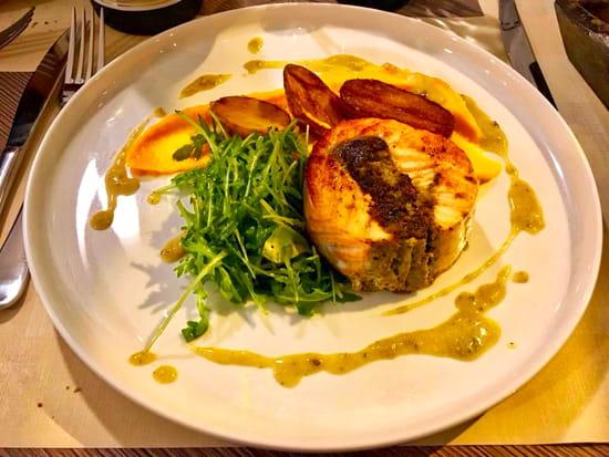 Plat : Bouchons & Resto  - Tournedos de saumon aux moules et champignons -   © Bouchons&Resto