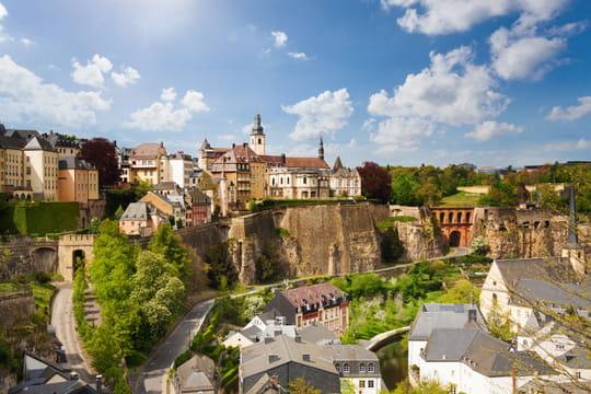 Vivre au Luxembourg: formalités, travail, famille... Le guide pratique