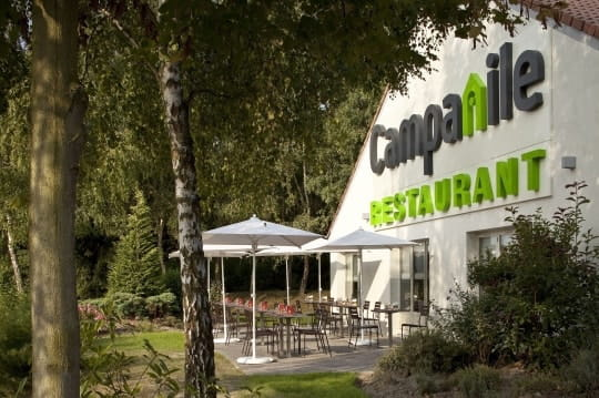 """Le Restaurant """"Campanile""""  - La terrase -"""
