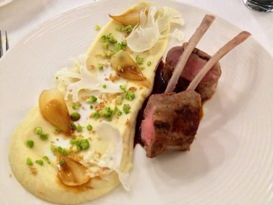 Plat : Restaurant Les 7 Mers  - Carré d'agneau -