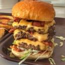 Son of a Bun Var  - Triple steak pour un Badass BBQ Burger  -   © Ophelie
