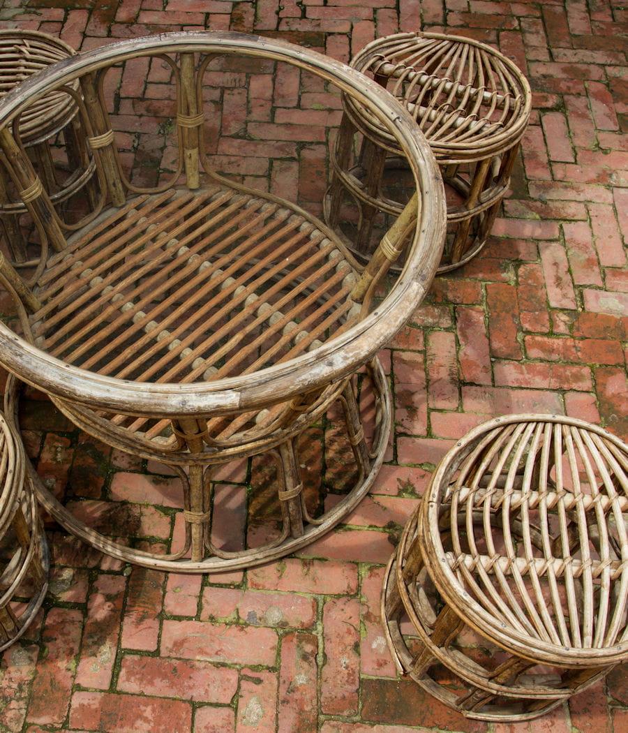 Nettoyer le mobilier de jardin en rotin