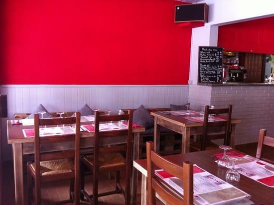 Restaurant : WAYA Restaurant & Bar