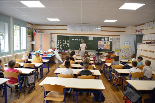 Enseignante agressée à Agde: une vidéo choc, quelles réactions?