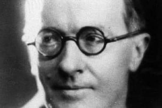 Jean Giraudoux: biographie courte de l'écrivain, auteur d'Electre