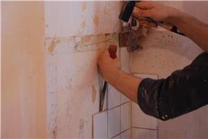 enlever un carrelage mural : mode d'emploi facile - Comment Decoller Du Carrelage Mural
