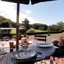 Domaine du golf de Mezeyrac  - terrasse -   © domaine de mezeyrac