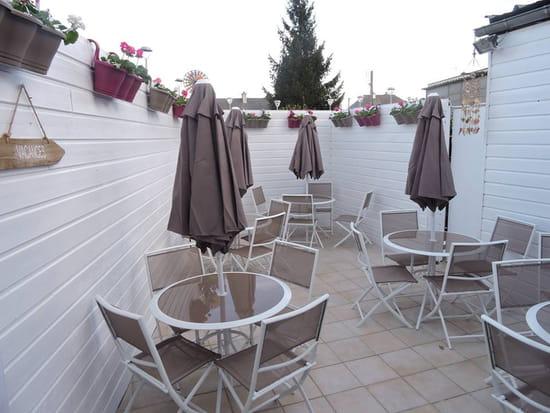 Restaurant : Entre Nous  - Terrasse intérieure -   © SLPB22