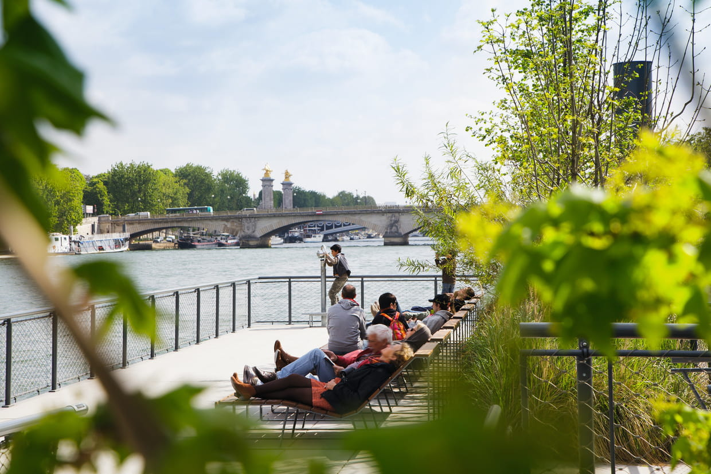 Un jardin flottant sur la seine for Jardin flottant