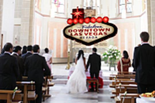 A Las Vegas, on peut se marier pour de faux!